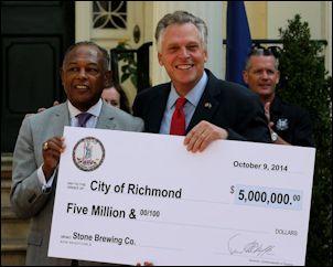 Richmond Mayor Dwight Jones (left) and Governor Terry McAuliffe.