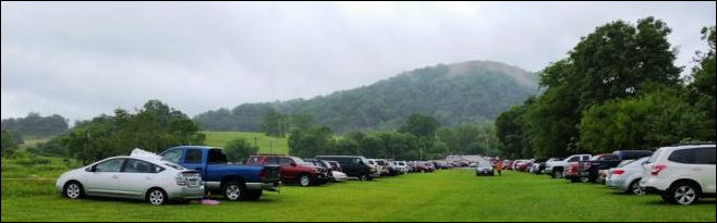 Parking outside Cooter's Place. Image source: RappNews.